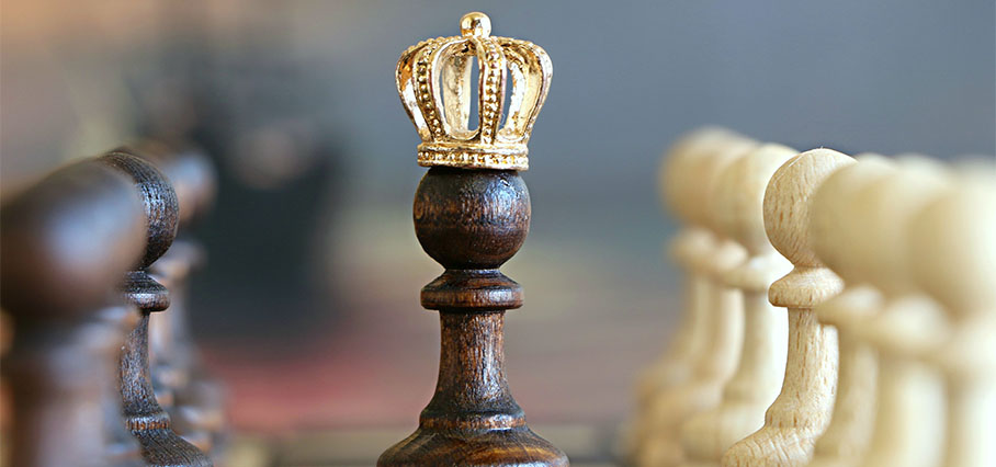 Un pedone incoronato simbolo di una strategia efficace